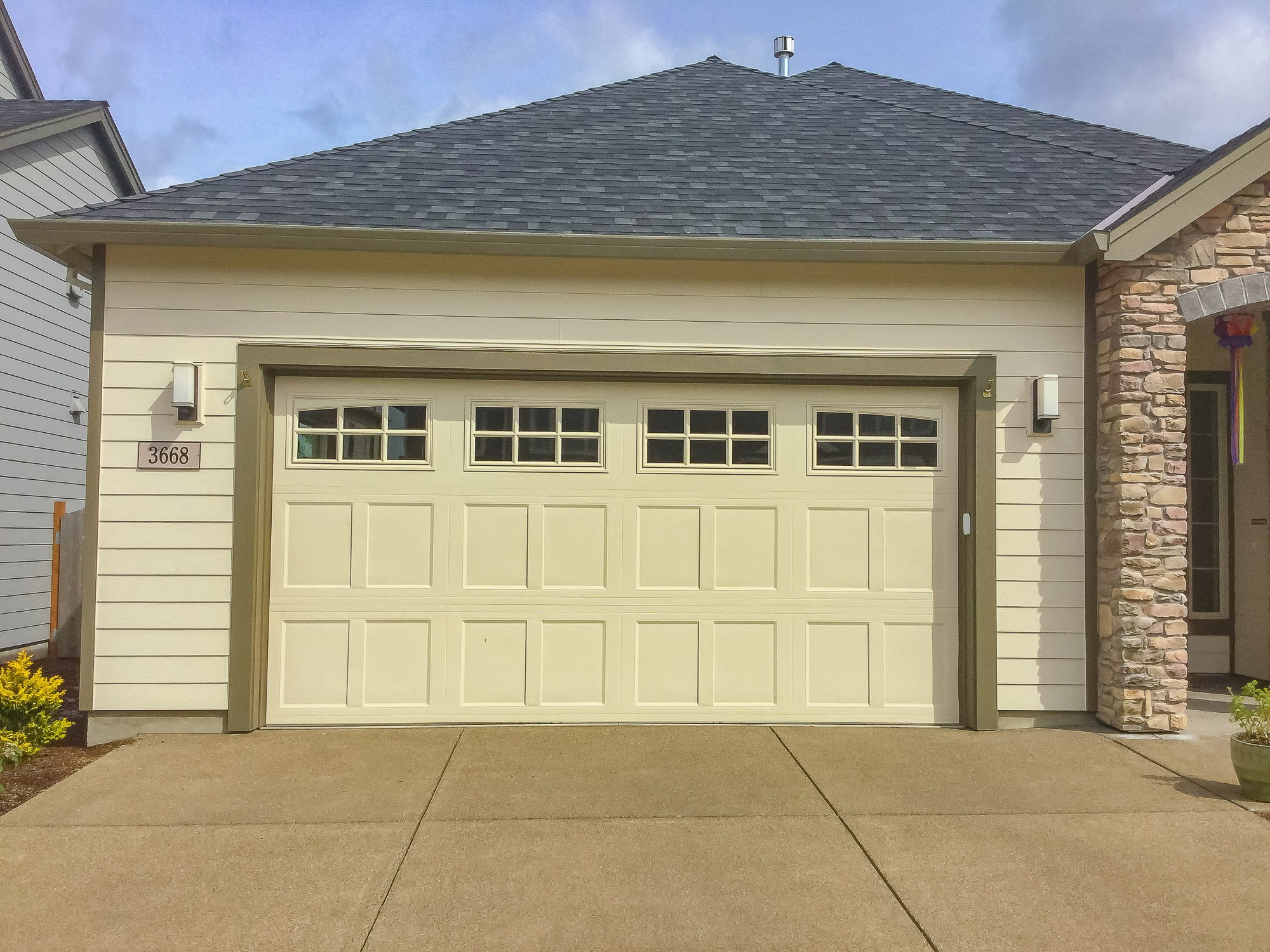 Garage Doors and Automatic Gates in Corvallis Oregon-12